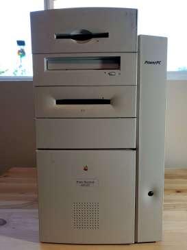 Power Mac 8600 Front