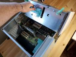Power Mac 8600 Inside Opening Hinge