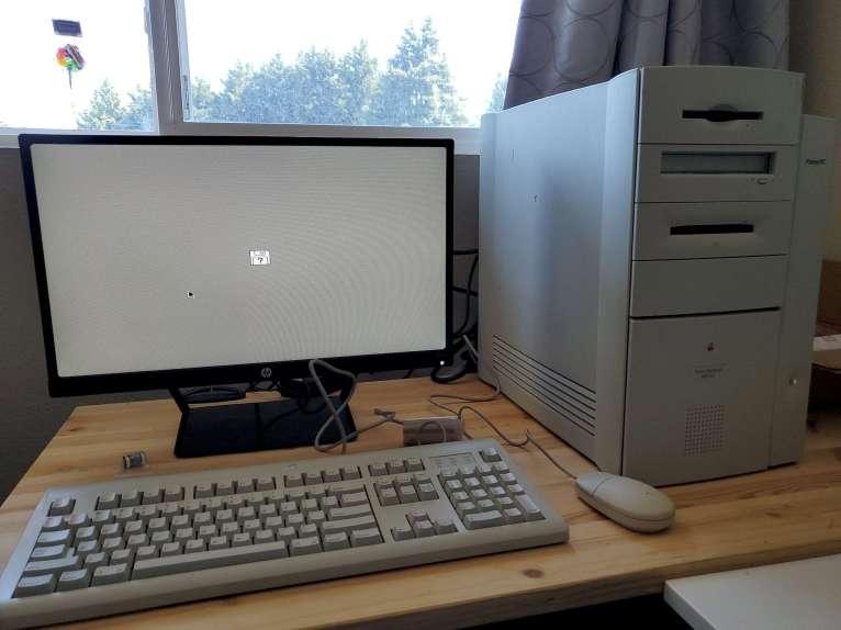 Power Mac 8600 First Boot (No Disk)