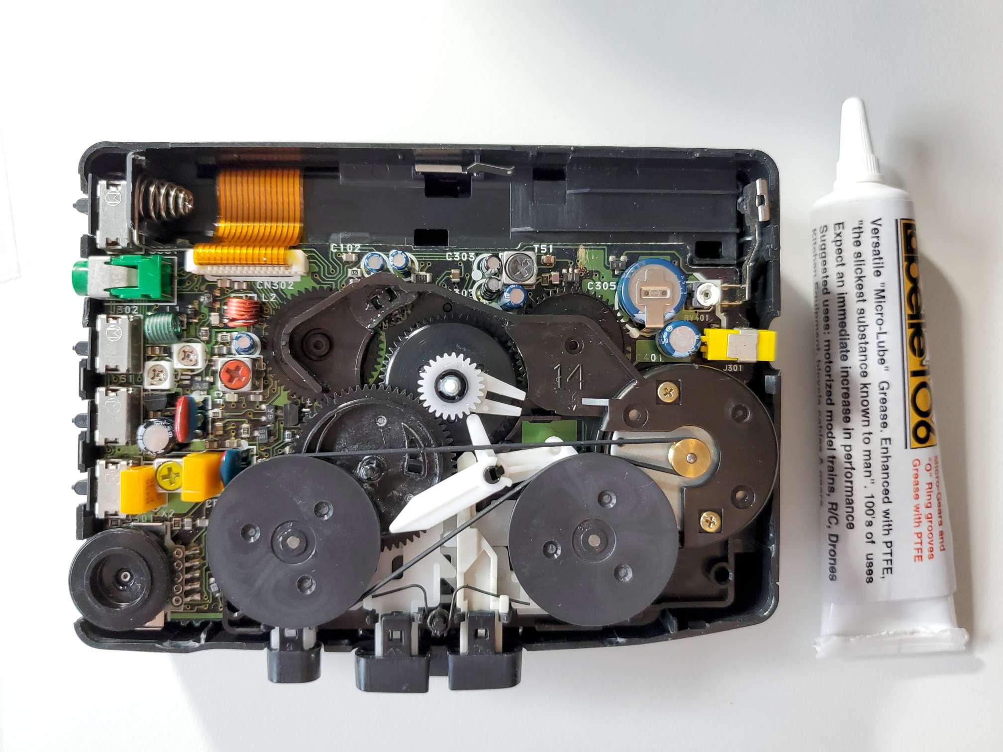 Sony Walkman WM-FX28 with Plastic Grease